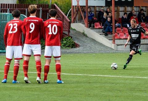 Scoret sist: Med dette sparket scoret Edo Colic 1–0 til HBK sist laget møtte Byåsen i Trondheim.Foto: Tommy Nilsen
