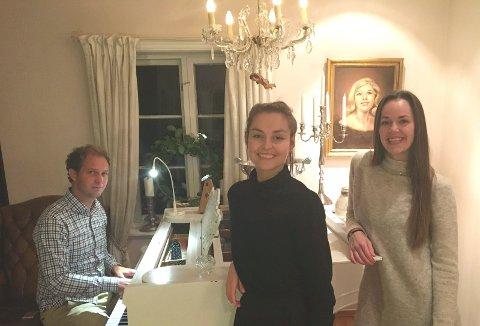 Håvard Mandt, Camilla Thorsen og Elisabeth Østvang Gundersen forbereder konsert i Fengselet.