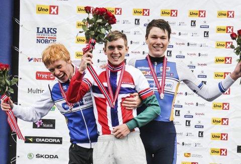 PÅ PALLEN: Andreas Leknessund og Søren Wærenskjold fra Ringerike tok henholdsvis sølv og bronse, mens Idar Andersen tok NM-gullet.