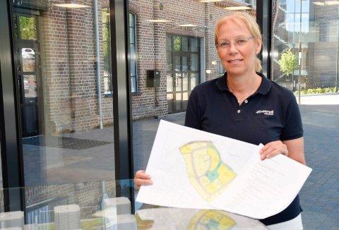 VEITILTAK: Utviklingsdirektør Ellen Grønlund og Tronrud Eiendom har forpliktet seg til å gjøre veitiltak for om lag tre millioner kroner for å få lov til å bygge ut Kongehaugen.
