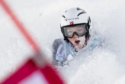 GJENNOMBRUDD: Thea Louise Stjernesund har gjort seg bemerket i verdenscupen denne sesongen. 22-åringen fra Lillestrøm kan skilte med flere gode plasseringer. FOTO: AP