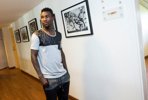 TILBAKE: Ifeanyi Matthew kan bli LSK-spiller likevel. Han har selv forhandlet med klubben om ny konrakt, men vet ikke om han får arbeidstillatelse siden han opoldt seg ulovlig i Norge.