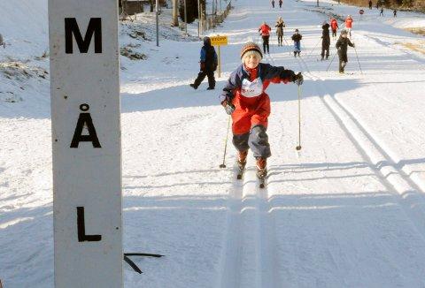 FOR FJERDE GANG: Barnas Holmenkolldag arrangeres i Storås søndag. Arrangørene håper mange tar turen ut på ski. Arkivfoto: Truls Lian