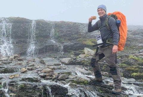 FIKK FAST JOBB: Kent Ivar Faye Olsen (29) stortrives i jobben som lektor ved Sandefjord videregående skole, hvor  han ble fast ansatt i fjor.