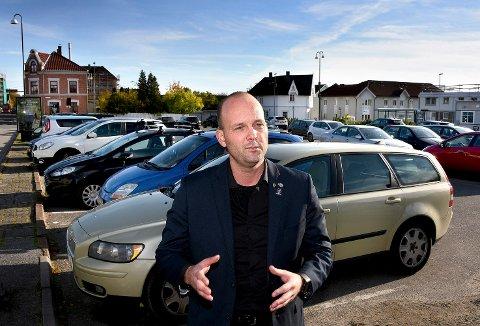IKKE I MÅL: Ordfører Sindre Martinsen-Evje konstaterer at det ikke har vært  mulig å etablere et parkeringshus i kvartal 270 med forutsetningene i anbudskonkurransen. - Behovet er der, så vi må jobbe videre, sier han.