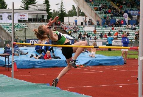 SEIER: Emma Sofie Klausen imponerte med seier i høyde i sin klasse.