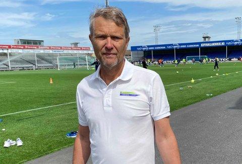 TILSKUDD: Daglig leder Kjell Einar Andersen i Sarpsborg Idrettsråd er fornøyd med at idrettslag som er hardt rammet av koronapandemien får litt ekstra tilskudd.