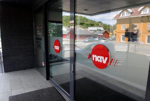 FÆRRE ARBEIDSLEDIGE: Tall fra NAV viser at arbeidsledigheten synker, mens antallet utlyste stillinger øker.