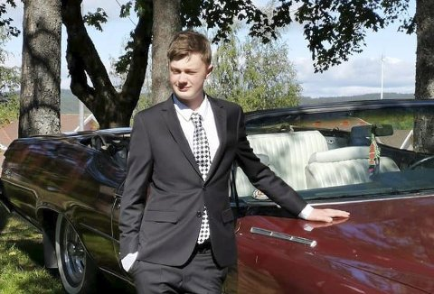 POSITIV TIL FORSLAG: Kasper Fog (16) fra Ørje er for forslaget om å la 16-åringer på bygda ta lappen. FOTO: Privat