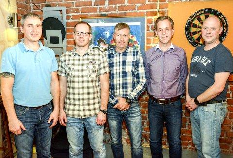 SYKKEL: Utdanningskontakt Bjørn Slinger, leder Espen Johansen, kasserer Inge Wergeland, nestleder Terje Langklopp og oppmann Leif Arne Pedersen.
