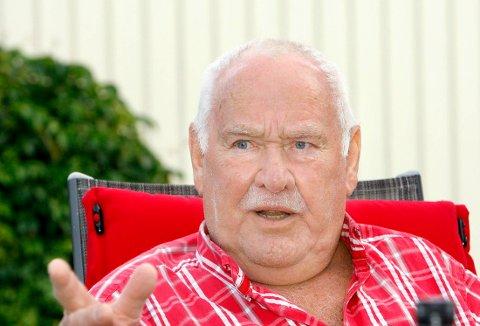 SPARKEN: I 65 år har Olav Kristiansen dømt håndball på ulike nivåer. Nå mener håndballforbundet at nok får være nok.