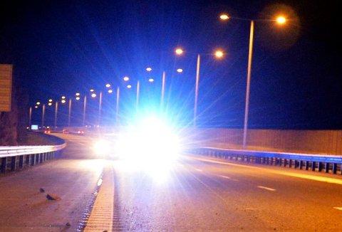 ADVARER MOR E18-TREND: Trenden med kappkjøring på E18 får politiet til å riste på hodet. – Skadepotensialet er enormt, advarer de. (Illustrasjonsfoto: Per Gilding)