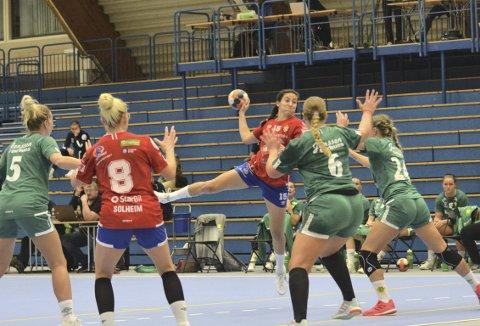 PLAYMAKER: Linn Andresen scoret fire ganger i søndagens kamp mot Fjellhammer, men mener selv at hun har mer å gå på. FOTO: TOM EIK BAUGERUD
