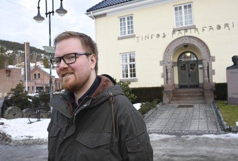 Sikre: Dan André Velle skal sikre, systematisere og gjøre tilgjengelig de komplette arkivene etter Tinfos. -Viktig nasjonal historie, mener han