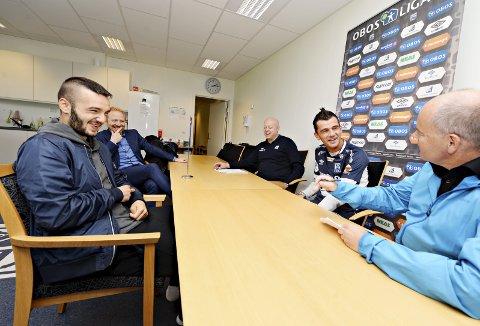 GLADE FJES: Kamer Qaka (nærmest) er glad for å ha tremenningen Rocky Lekaj med på laget. Tirsdag ble 26-åringen presentert som ny KBK-spiller.foto: trygve s. joakimsen
