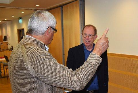 INGEN KØDDER: Styreleder Lars Løseth har bevisst valgt en strategi om ikke å snakke med andre prosjekt, blant annet for at ingen skal komme nå og arbeide mot realisering av Todalsfjordprosjektet. Formannskapsmedlem Helge Røv til venstre.