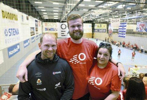 Kjetil Gimnes, Amund Gjeitnes, Sandra Seifert og KHK er glad for at barn og unge kan trene håndball igjen.