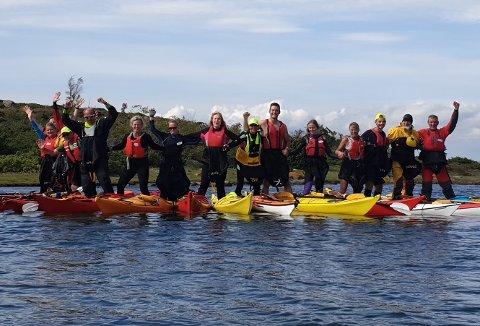 PADLEGLADE: Det er all grunn til å feire for Havpadlerne Færder. Bildet er fra en padletur tidligere i år.