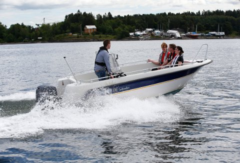 Det historisk flotte været i fjor sommer og det elendige høstværet får skylden for at antall ulykker med fritidsbåter gikk opp med 25 prosent i fjor.
