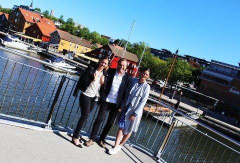 FÆRDERFESTIVALEN: Nå er det meste på plass for nok en byfest i Tønsberg, i følge (f.v:) Charlotte Svensen, Nick Sandberg og Cecilie B. Sørumshagen.