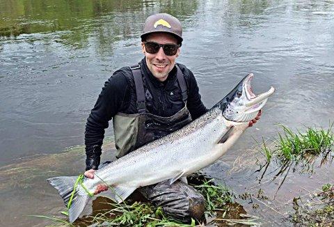 NY REKORD: Mats Peder Øvereng landet onsdag denne ruggen på 16,2 kilo i Bjøra.