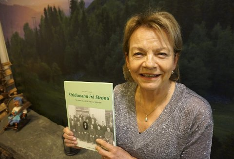 DET POLITISKE LIVET: Den ferske boka til Anne Mette Strand inneholder mye lokalhistorie, som det har vært skrevet svært begrenset om. Men boka er også en biografi over broren til hennes bestefar, Erik Strand, som var både ordfører i Nord-Aurdal og stortingsrepresentant for Senterpartiet.