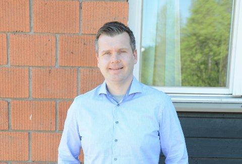 GLEDERSEG:Ifølge Sverre Johannessen, nylig tilsatt rektor ved Nittedal ungsomsskole, blir den nye skolen både moderne og veldig flott.