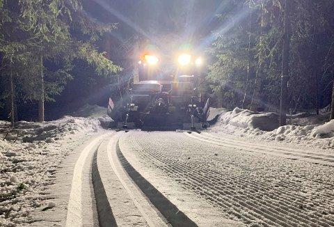 NYESPOR: Bilde fra løypekjøring i Nittedal natt til lørdag.
