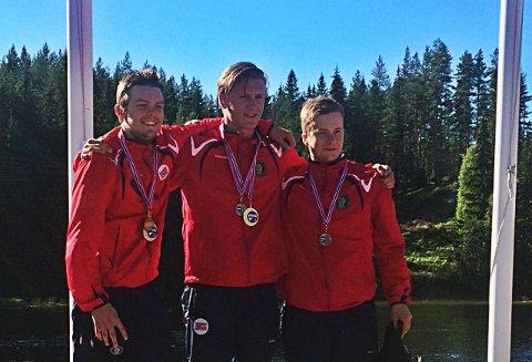 PÅ PALLEN: Bilde av juniorpallen: bronse - Kasper Rasmussen (Danmark), sølv - Erik Gurholt (Norge), gull - Filip Rasmussen.
