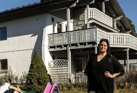 Mulig barnehjem: Huset i Glimmerveien 4 kan bli barnehjem for flyktninger eller ungdom med rusproblemer. Lene Iversen Tytingvåg og familien reagerer sterkt. Foto: Bonsak Hammeraas