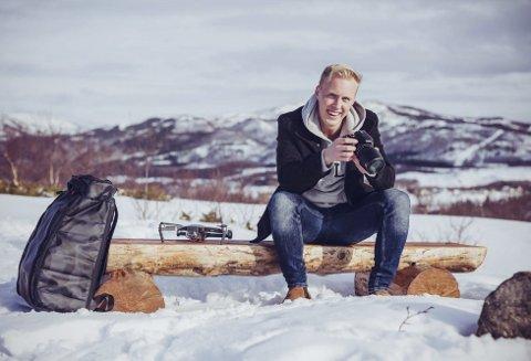 Følger ny drøm: Sebastian Loraas (21) fra Valnesfjord har en lidenskap for foto og video, men han tenkte aldri å gjøre det om til en karriere. Det har endret seg, for nå har han bestemt seg for å satse på hobbyen sin.