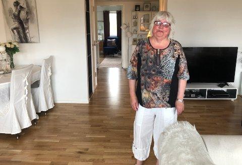 Storfornøyd: Elin Margrethe Stokkedal har det fått det fint i sin nye leilighet, og hun angrer ikke på at hun valgte
