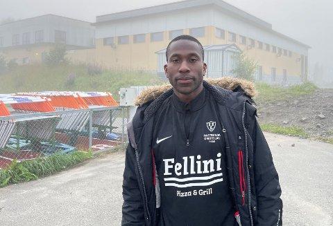 Sam Archer (31) har spilt fotball for en rekke klubber i USA og i Norden. Nå har Innstranda tent gnisten til amerikaneren.