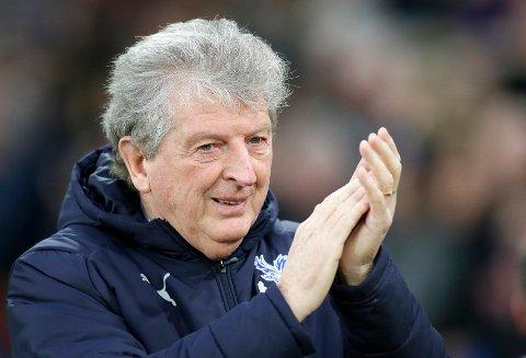 Roy Hodgson er den eldste manageren i Premier League. Han er 72 år gammel. (AP Photo/Tim Ireland)