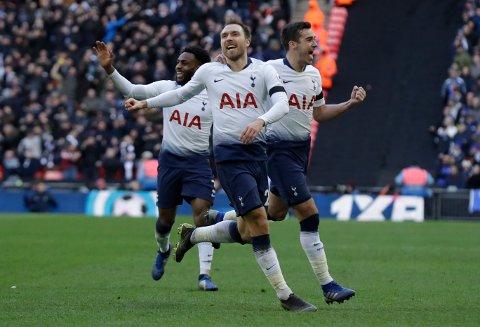 Tottenham og Christian Eriksen (t.h.) trenger et godt resultat i det første oppgjøret mot Ajax. Vi tror de kan få det.(AP Photo/Matt Dunham)