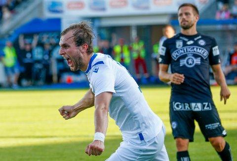 Haugesunds Kevin Martin Krygård jubler etter 1-0-målet i kvalifiseringskampen til Europa League mot Sturm Graz på Haugesund stadion.  Foto: Jan Kåre Ness / NTB scanpix
