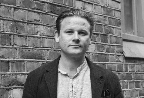 Sivert N. Nesbø er fra Førde, men bosatt i Bergen. Nå tar han over Skrivekunstakademiet.