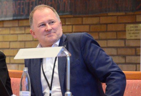 Prosjektrådmann Per Kristian Vareide anbefaler at Fellesnemda for Nye Stavanger støtter opp under et flertall på Ombo som ved flere anledninger siste årene har uttalt at øya bør tilhøre én kommune og at dette blir Nye Stavanger.