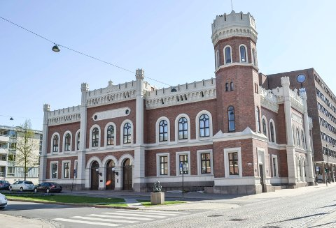 Rådmannen og hennes stab skal jobbe i rådhuset, men ellers kan kommunens ansatte bli flyttet rundt i den nye kommunen etter sammenslåingen.