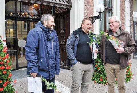 SAMARBEID: T.v Haydar Øzbal (Bylista), Dag Ebbestad (Ap), i midten, og Jon-Ivar Windstad fra Kirkens Bymisjon, mener det er opp til politikerne å vise hjertevarme og sørge for at tiggerne har et sted å overnatte når vinteren kommer.