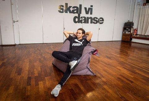 VENNLIG: Cengiz Al skulle øve til «Skal vi danse»-finalen, men tok seg god tid med pressen.