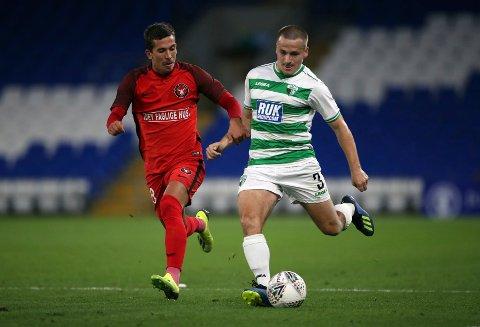 Gustav Wikheim (t.v.) fikk nettsus for Midtjylland i 2-2-kampen borte mot Malmö. Her er han i aksjon mot The New Saints tidligere i sommer.