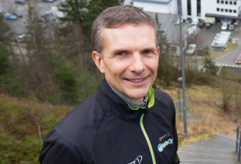 GLER SEG: Bjørn Norvald Kjønås er arrangementsansvarleg for Førde opp. Han håpar å få til ein folkefest med full flagging i heile Førde.