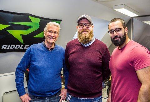 KLARE FOR EUROPA: Aim Studios har store ambisjoner for sine e-sportsendinger. Fra venstre: Styreleder Kai Roger Pedersen, daglig leder Thomas Andresen og toppspiller Mohammed Barzinje.