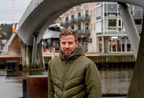 Simen Rafn er fortsatt i tenkeboksen etter å ha trent i fire dager med FFKs avdelingskollega, Aalesund.