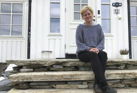 Sjekk deg: Katrine Flostrand oppfordrer alle kvinner til å ta celleprøve av livmorhalsen. Det kan berge liv. Hun er overbevist om at jevnlige tester og at hun lyttet til kroppen kan ha berget livet hennes.  Privat foto
