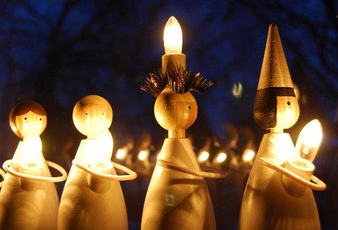 ADVARER: Det er flere brannfarer knyttet til jula.