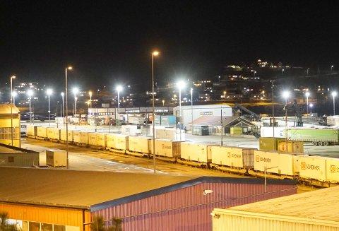 PÅ SKINNER: En sterk melding fra et samlet storting gir tro på at Narvikterminalen kan få økt kapasiteten.