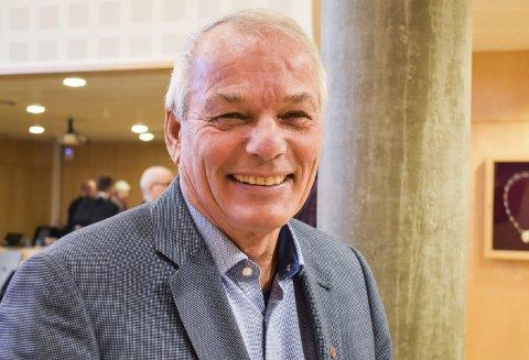 VENT!: Jan Nærsnes, leder i kontrollutvalget, råder kommunen å vente med investeringer.