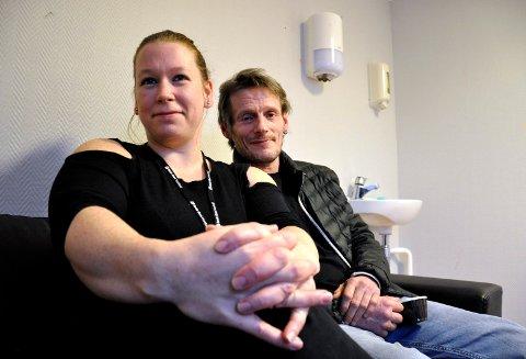 KOM TIL OSS: Leder av Røde Kors' visitortjeneste Kitty Lien og innsatte Bjørn Arvid Børjeson søker flere frivillige besøksvenner.